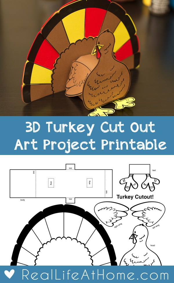 This 3D printable Turkey craft is the perfect activity for family gatherings at Thanksgiving and to decorate the tables! :: www.thriftyhomeschoolers.com